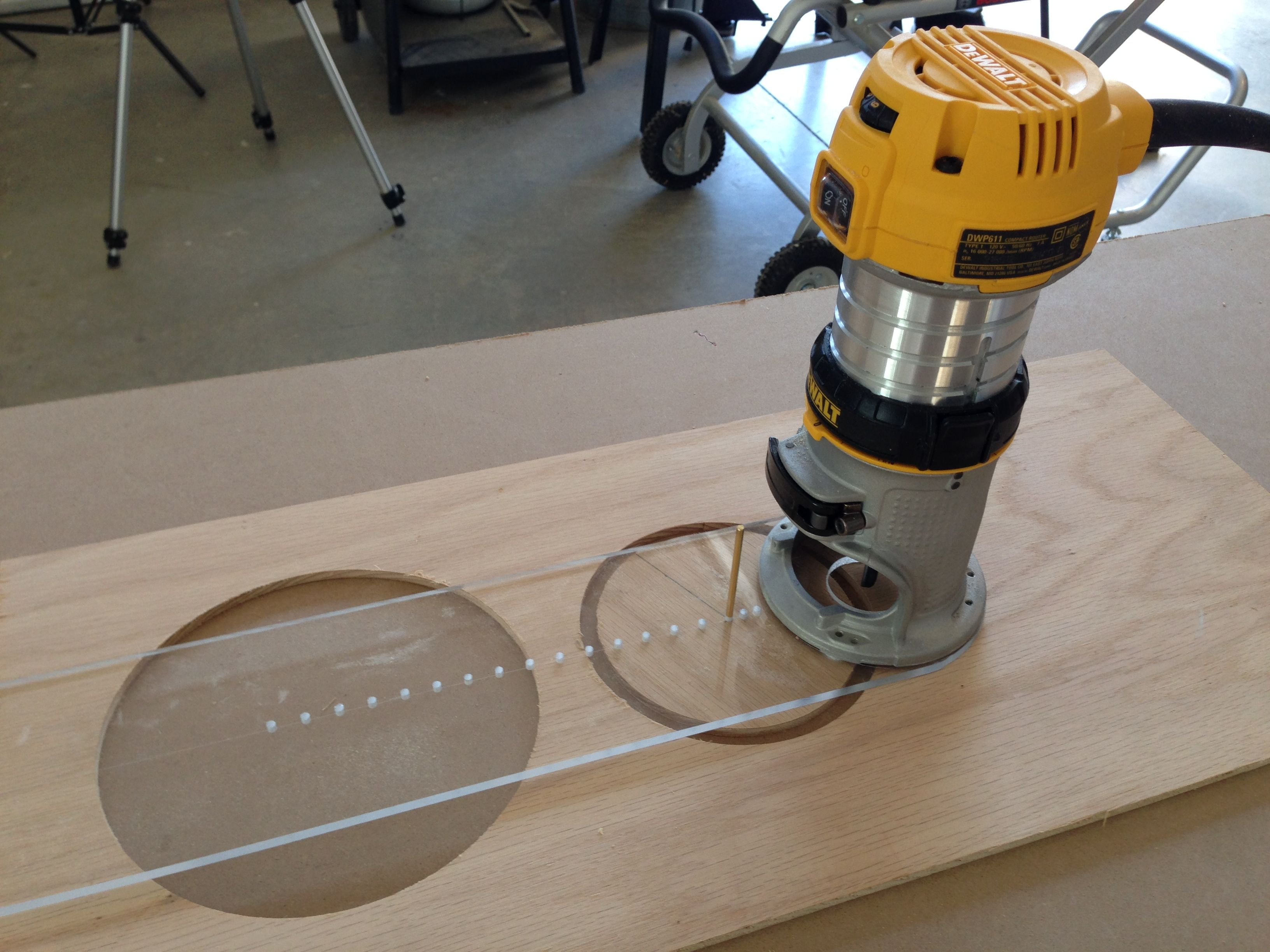 Circle Cutting Jig For A Router Redneck Diy